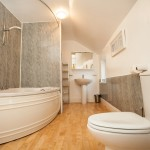 Teesdale Holiday Cottage Main Bathroom