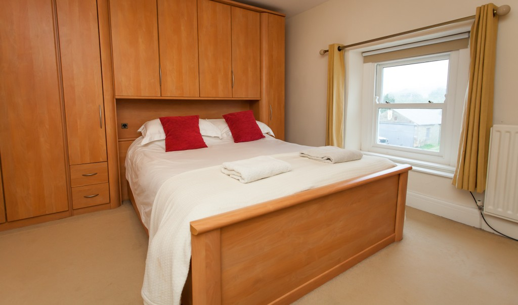 King-size bedroom at Red Lion Cottage, Teesdale