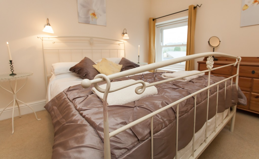 Second King-size bedroom, Red Lion Cottage, Teesdale